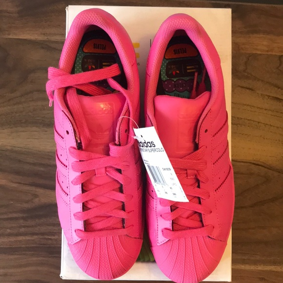 meilleures baskets 9abd3 42704 Pharrell Williams Pink Superstar Equality Sneaker NWT